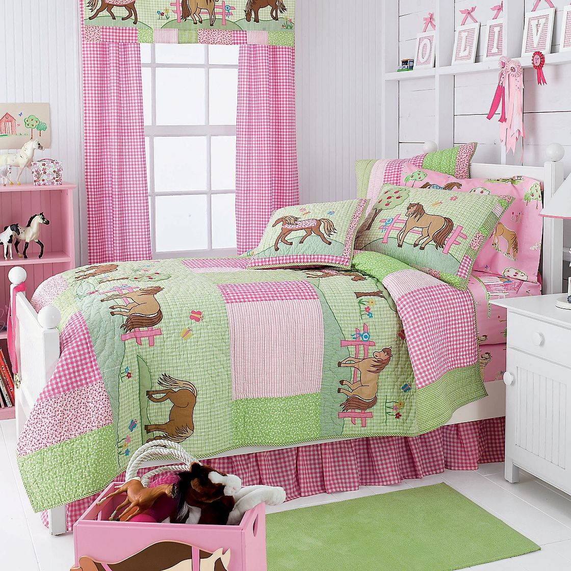 home pony dreams quilt bedding