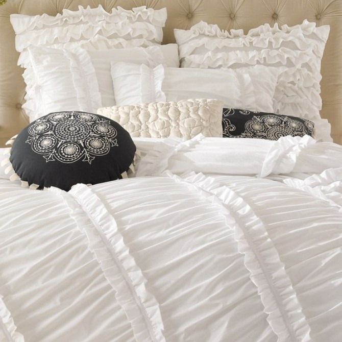 Clara White Ruffled 3pcs Bedding Set