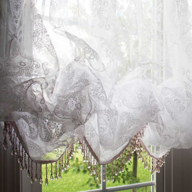 White Chic Baroque Balloon Curtain Clear Fringe