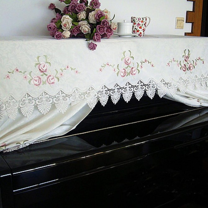 Embroidery Flower Bouquet Piano Cover