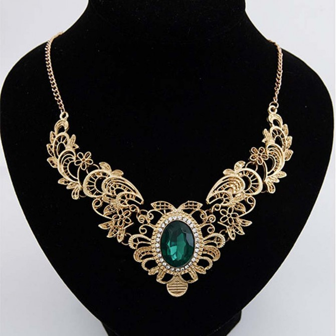 Metallic Lace Bib Necklace Green