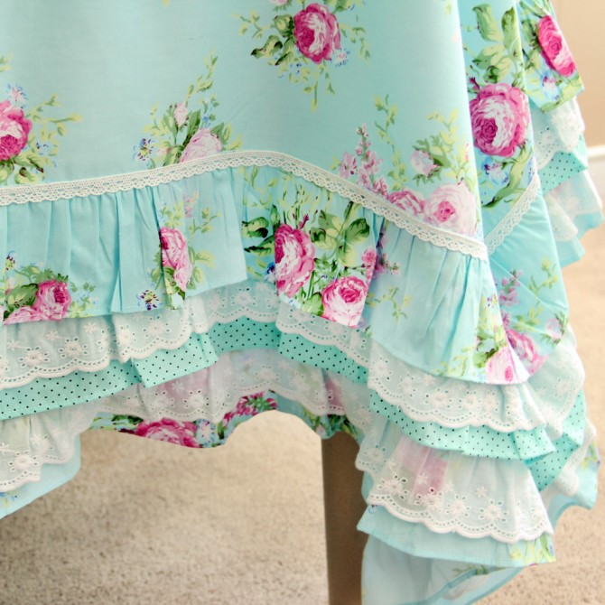 Green Rose Blossom Ruffle Tablecloth