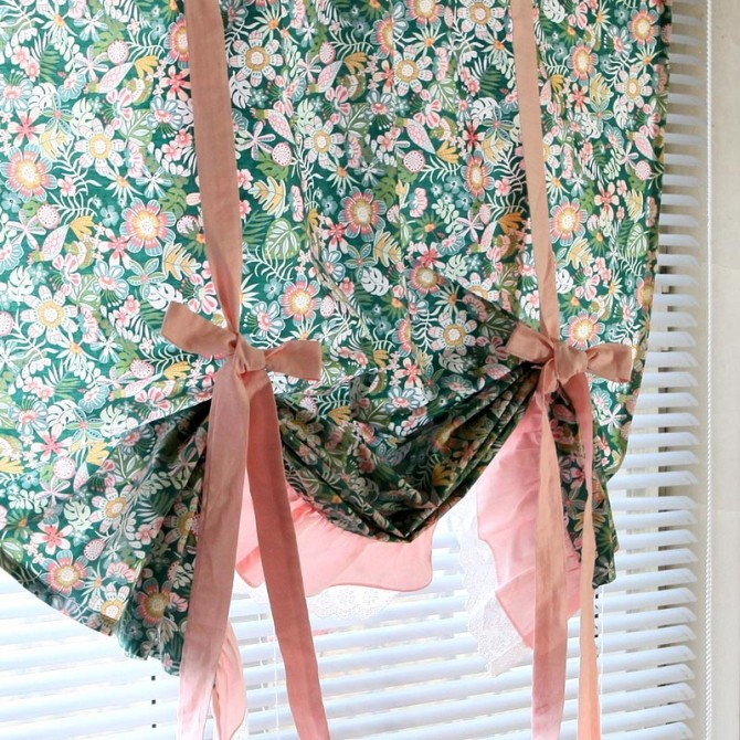 Botanical Tie Up Balloon Curtain