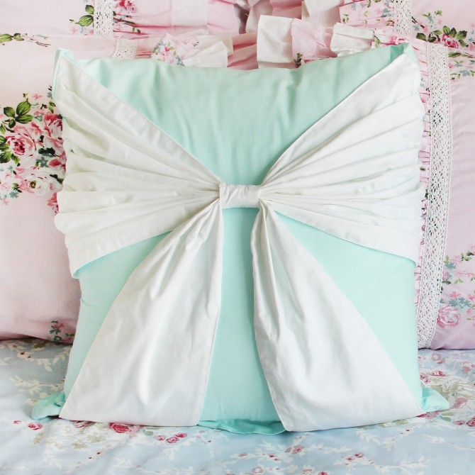 Bow Accent Cushion Cover-White Turquoise