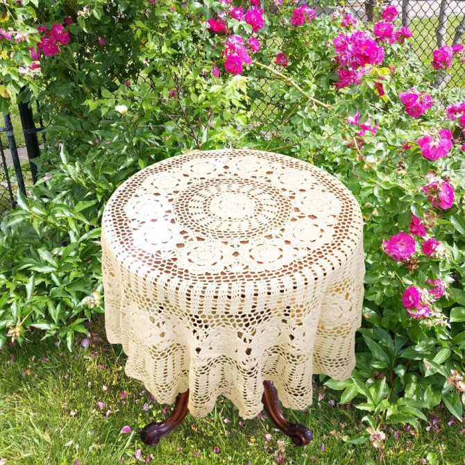 Vintage Crochet Round Tablecloth