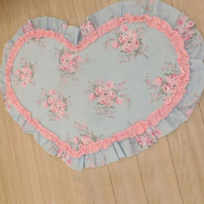 Rose Decorative Heart Mat