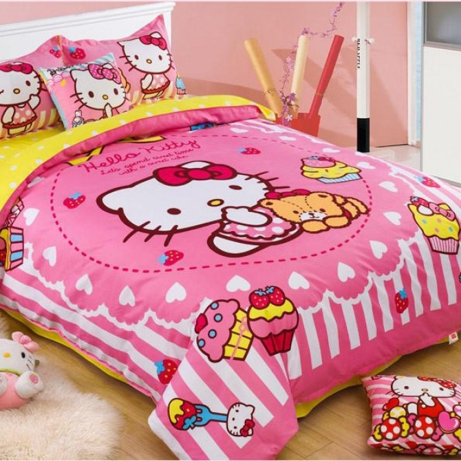 Pink Hello Kitty Cupcakes Duvet Cover Set