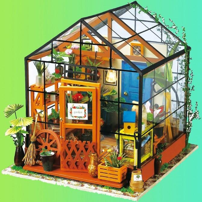 Miniature Green House DIY Dollhouse Kit