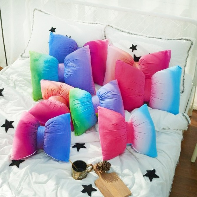 Gradient Bow Throw Pillow