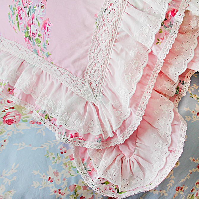 Lace Love Ruffle Cushion Cover
