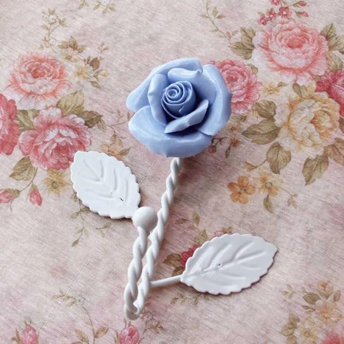 Blue Porcelain Rose Iron Hanger