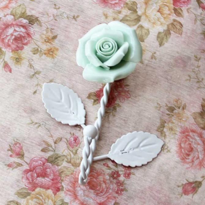 Green Porcelain Rose Iron Hanger