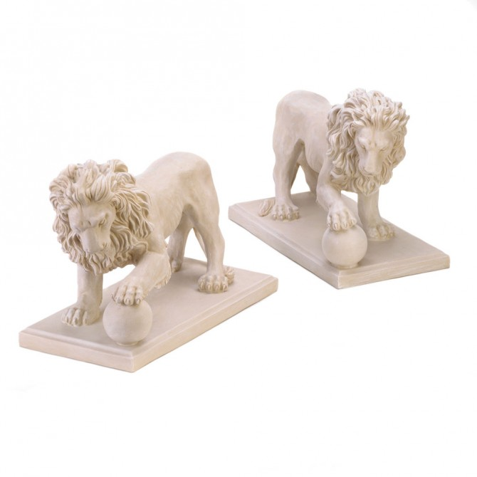 Regal Outdoor Lion Statues