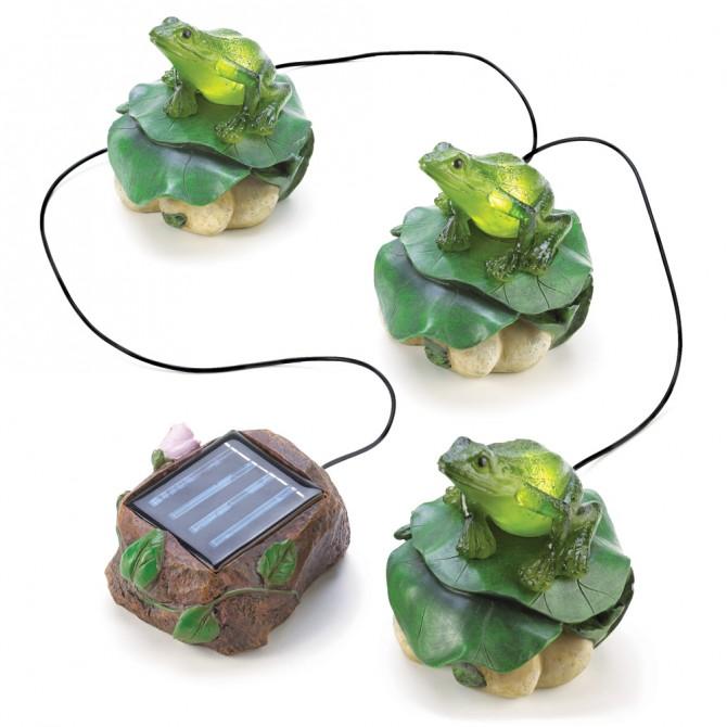 Solar Frog Trio Garden Decor