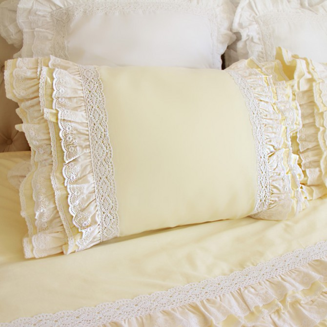 Lace Love Pillow Sham, Light Yellow
