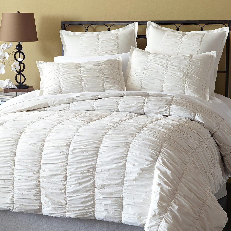 White ruffled duvet cover set