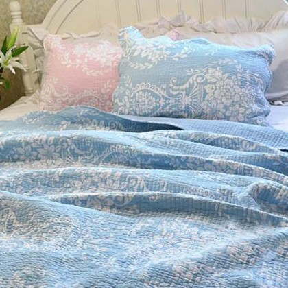 Blue Damask Quilt Bedding