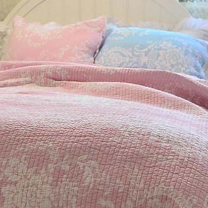 Pink Damask Quilt Bedding