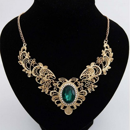 Metallic Lace Bib Necklace Green