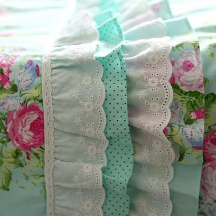 """Green Rose Blossom Duvet Cover 90"""" x 90"""""""