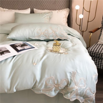 Delicate Embroidery Green Duvet Cover Set