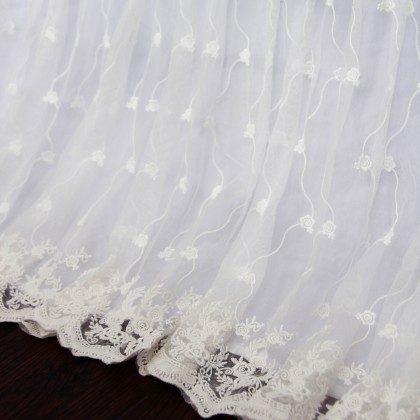Luxury Rose Lace Love Bed Skirt