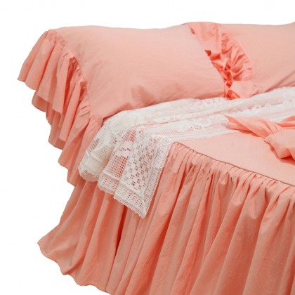 Ruffled Bedspread with Mermaid Long Ruffle Shams