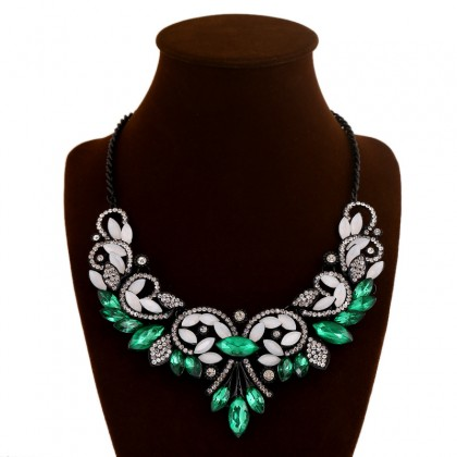 Gothic Bib Green Necklace