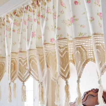 Vintage Rose Crochet Heart Tassel Valance