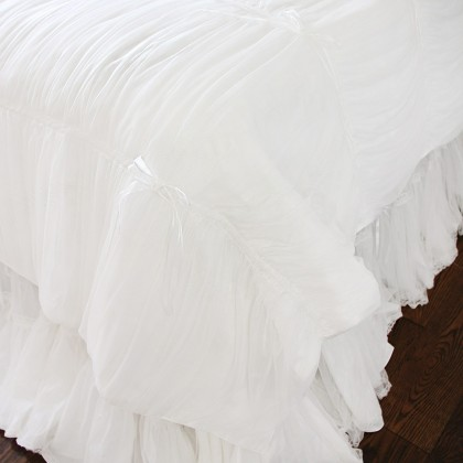 White Lace Overlay Ruched Duvet Cover Set