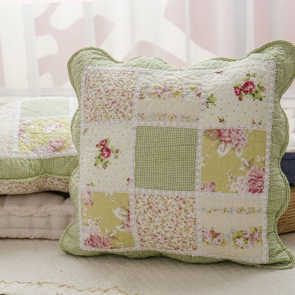 Green Cottage Garden Rose Quilt Cushion Cover