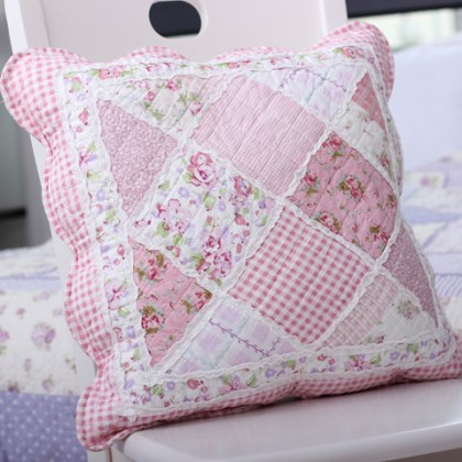 Pink Cottage Garden Rose Quilt Cushion Cover