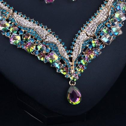 Austrian Sparkle Crystal Elegant V-shaped Teardrop Necklace Earrings Set
