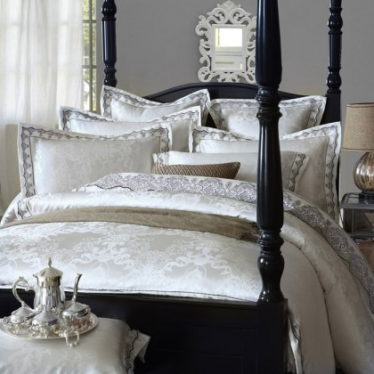 Royal Jacquard White Duvet Cover Set