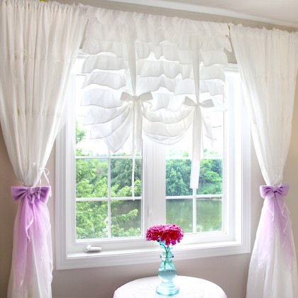 Princess White Tie Up Balloon Curtain