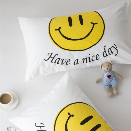 Smiley Face Good Mood PIllowcase Set