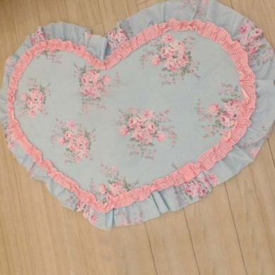 Rose Decorative Heart Mat