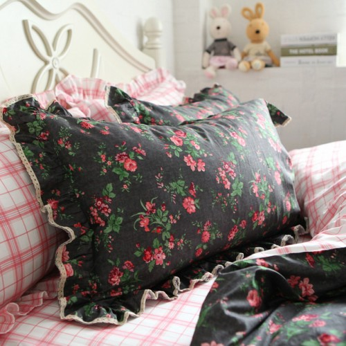 Dark Rose Bedding Set
