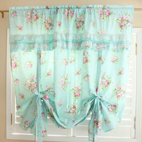Pull Up Curtain
