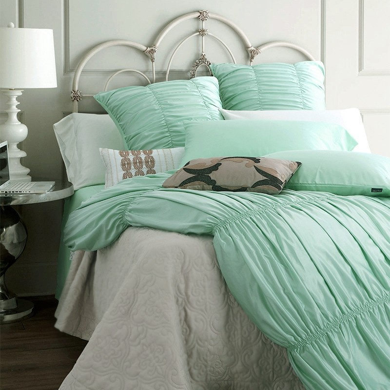 Turquoise Shabby Chic Bedrooms: Ruffle Bedding