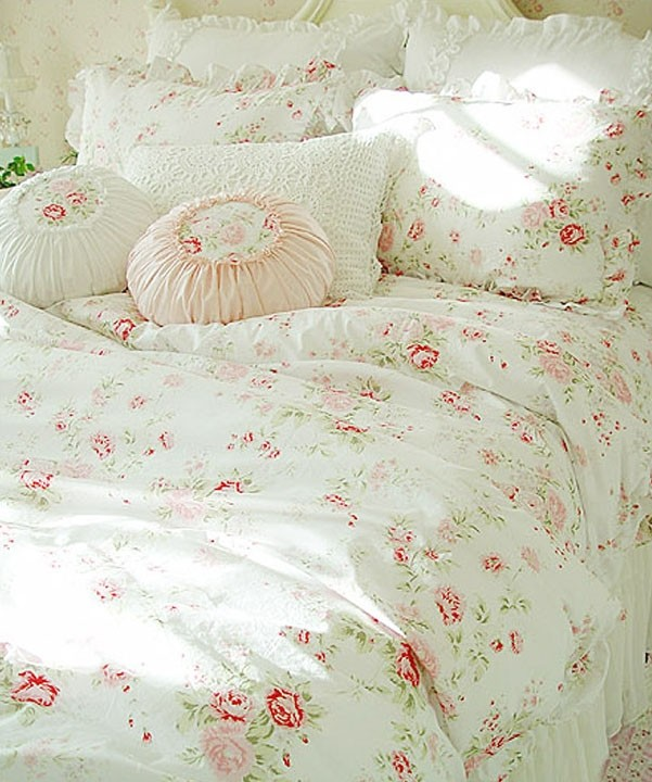 30 Creative And Trendy Shabby Chic Kids Rooms: Shabby Chic Bedding
